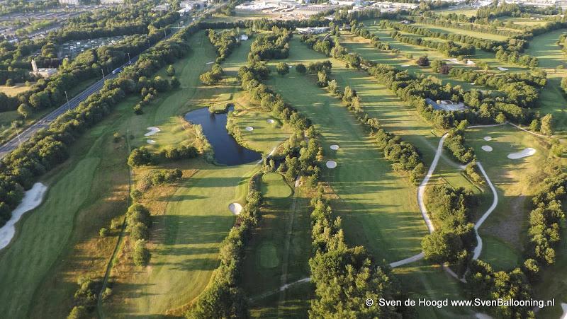 Oosterhout van Boven: Oosterhout golfstad naast de A27