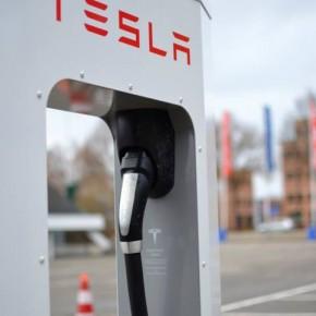 [TWEET] Oosterhout scoort als Tesla hotspot