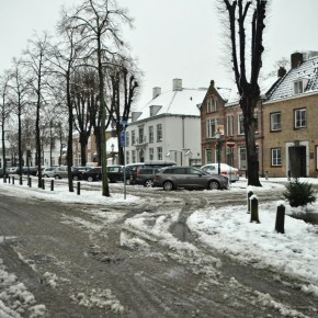 Tweets: Sneeuwoverlast in Oosterhout: geen voetbal en razende strooiwagens