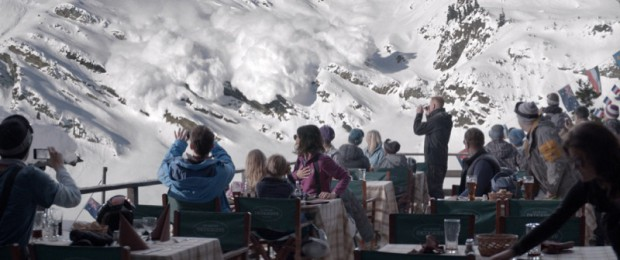 Turist: Zweedse dramafilm. Volgt gezin op skivakantie.