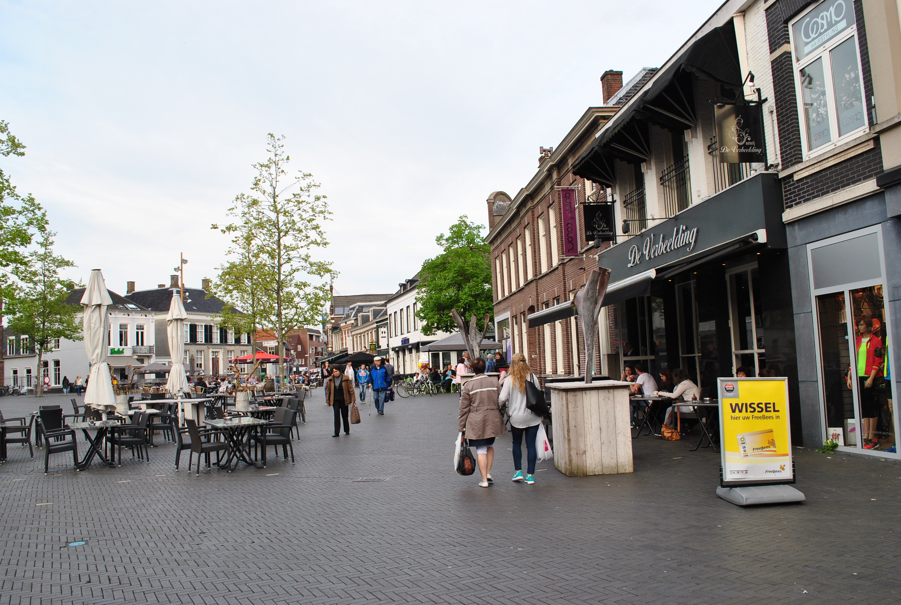 De markt: then and now