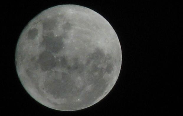 Oosterhout bij volle maan: Een supermaan!