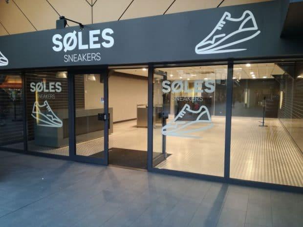 Van – Sneakerwinkel Haar Ook Wosterhout Deuren Opent In Oosterhout EHYb2eD9WI